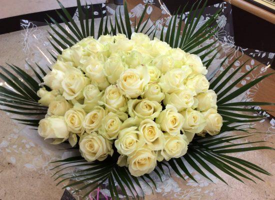 51-white-roses.jpg